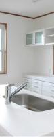 白でまとめたキッチン