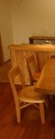 自然木のテーブル。栗のイスは建て主様が選びました