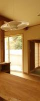 食堂から見た和室と居間。